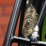 018 1913, Excelsior - logo na główce ramy